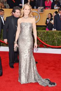 elle-sag-awards-red-carpet-fashion-helen-hunt-xln-lgn