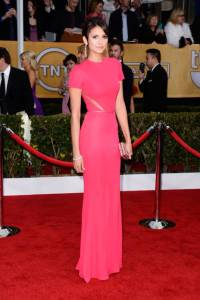 elle-sag-awards-red-carpet-fashion-nina-dobrev-xln-lgn