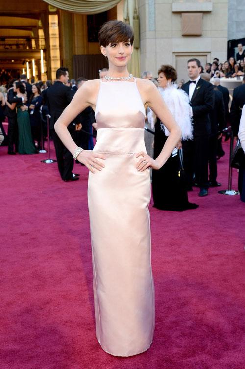 Anne Hathaway, 2013 Oscars, Prada